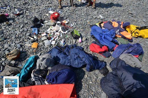 Лагерь сахалинских волонтёров, проводящих общественный контроль за отловом косаток, разгромили и обокрали