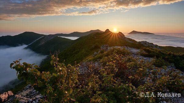 Майорские горы – одно из любимых мест сахалинских туристов и ягодников, включает вершины Майорская, Стахановская, Медика и Острая.